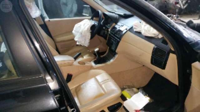 BMW X3 2. 0 D - foto 2