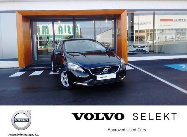 VOLVO - V40 2. 0 D3 MOMENTUM AUTO - foto 1