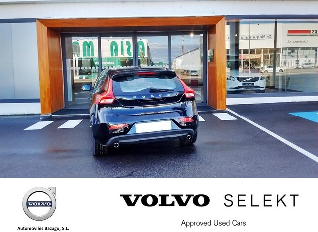 VOLVO - V40 2. 0 D3 MOMENTUM AUTO - foto 7