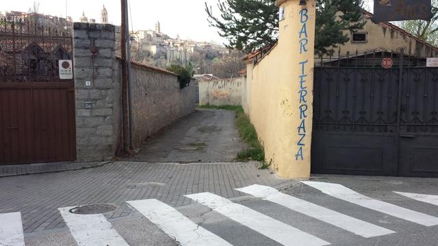 C/ SAN VICENTE.  BARRIO DE SAN LORENZO - foto 3