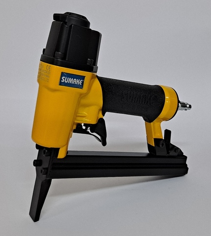 Grapadora Neum/ática Profesional FASTGUN FG 8016 A para grapa 80 de 6 a 16 mm Especial Tapicer/ía//Carpinter/ía Novedad 2.000 Grapas 80//8 mm
