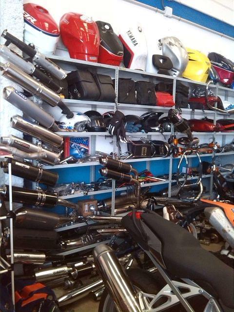 TAPA IZQUIERDA MOTOR PIAGGIO 250 - foto 6