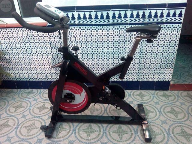 BICICLETA DE SPINNING O INDOOR
