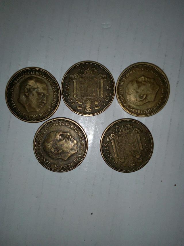2,50 Pesetas 1953  Y De 1 Peseta 1947