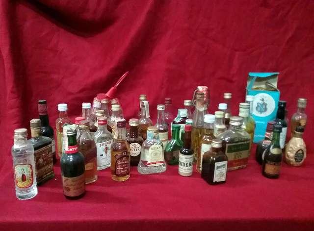 Lote De 49 Botellas De Alcohol Coleccion