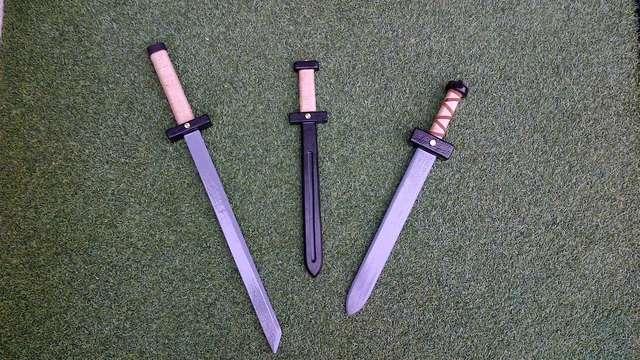 Espadas De Madera