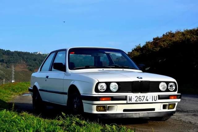 BMW - E30