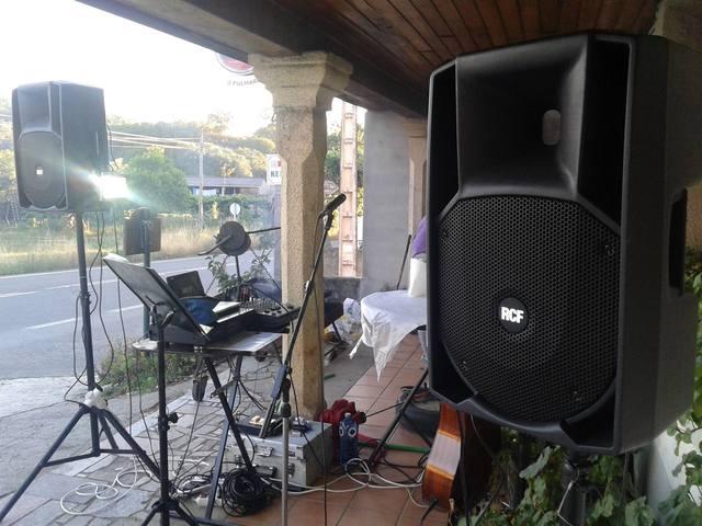 MUSICO CANTANTE.  - foto 2