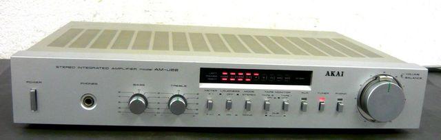AKAI AM-U22