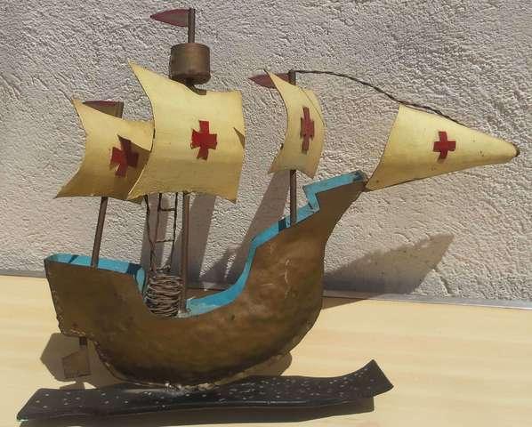 Antiguo Esplendido Barco  Hierro