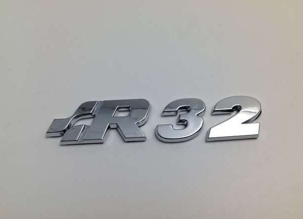 EMBLEMA TRASERO LETRAS VW GOLF R32