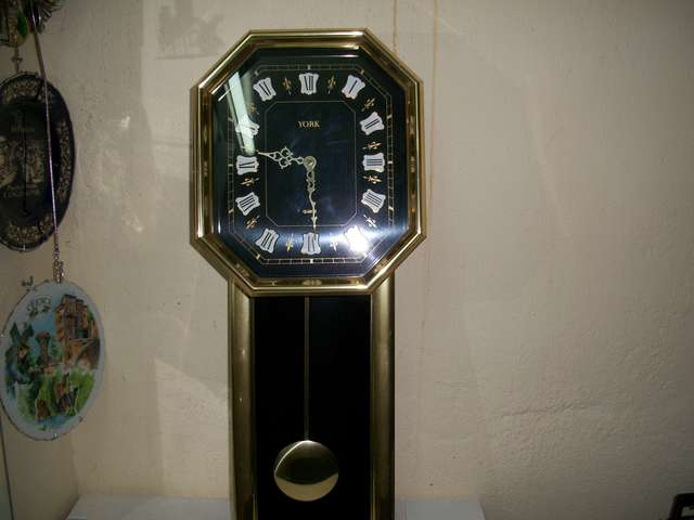 RELOJ DE PARED MARCA YORK