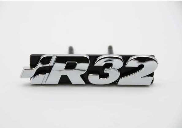 EMBLEMA PARILLA DELANTERA VW GOLF R32