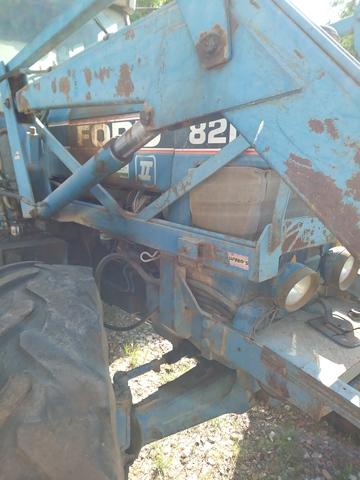 TRACTOR. FORD 110CV - 8210 DOBLE TRACCION