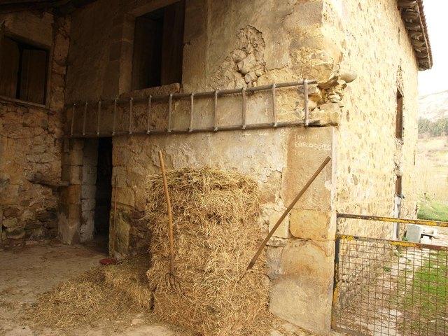 CASA DE PIEDRA EN PARCELA DE 700M² - foto 1