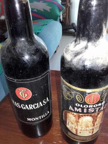 ANTIGUAS BOTELLAS TOMAS GARCIA MONTILLA