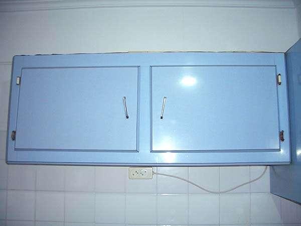 Mesas De Cocina Milanuncios.Armario Y Mesa De Cocina Formica Azul
