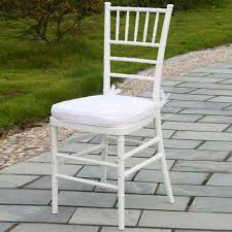 chiringuito carpa blanca silla palilleria