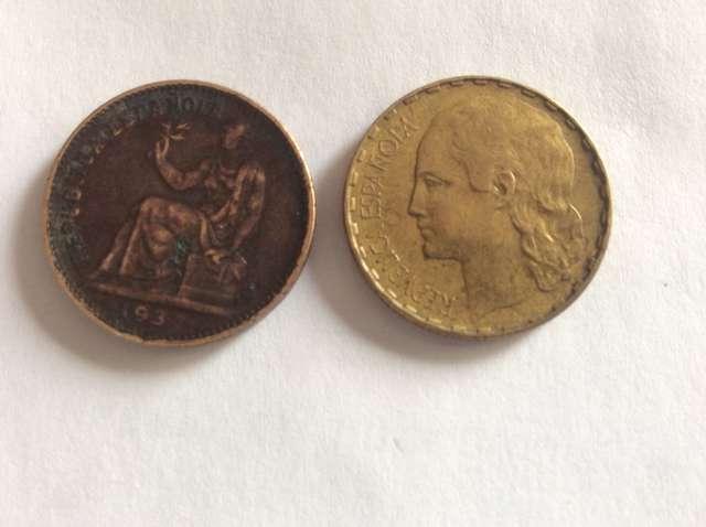 Dos Monedas De República Española