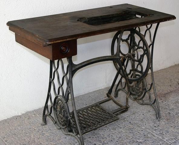 MIL ANUNCIOS.COM - Maquina coser antigua corona