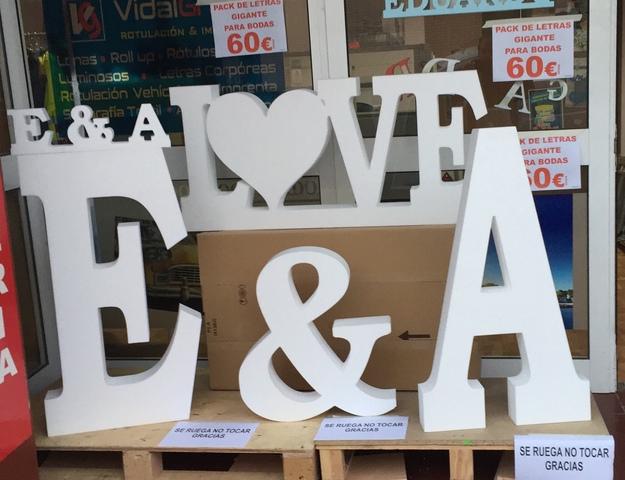 PALABRA LOVE VINTAGE 1 M ALTO 75 PROMO!