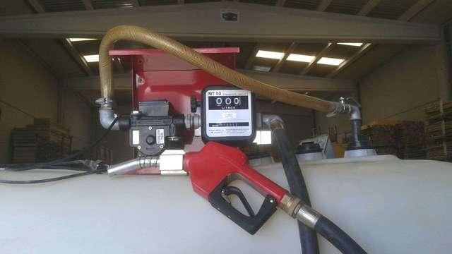 DEPOSÍTO DE GASOIL 2000 LTS. COMPLETO.