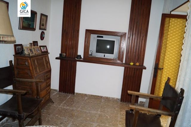 CASA A REFORMAR EN CENTRO CIUDAD - foto 6
