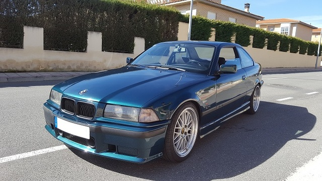 BMW - 318 IS