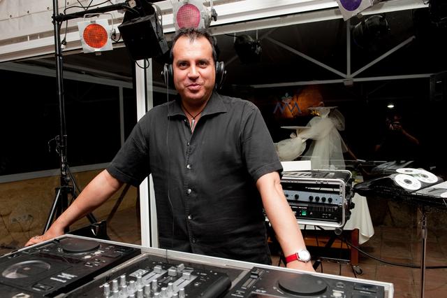 LOCUTOR DE RADIO - foto 4