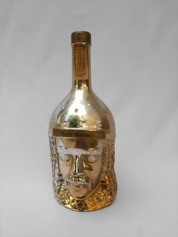 Botella De Licor Cuatro