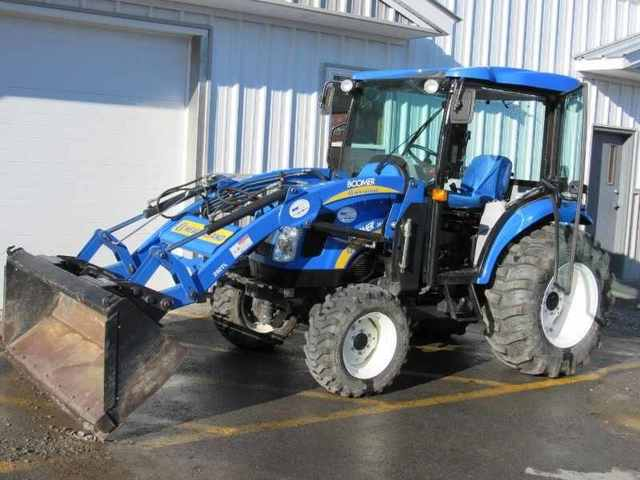 NEW HOLLAND-- - 3040 4X4