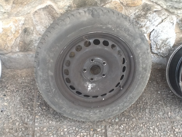 UNA LLANTA VW, AUDI, SEAT CON 195 65 15