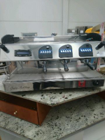 MÁQUINA CAFETERA 3 GRUPOS