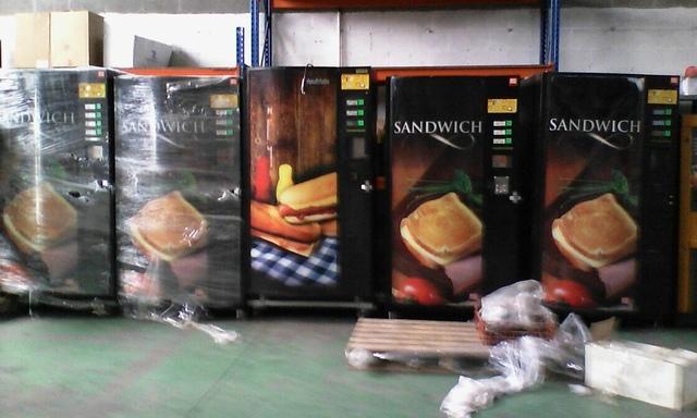 MAQUINA VENDING SANDWICHES Y BOCADILLOS - foto 5