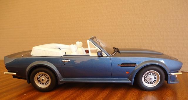 Aston Martin  1:18