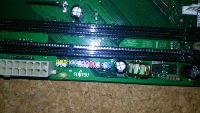 PLACA 775 DDR3 FUJITSU - foto 2