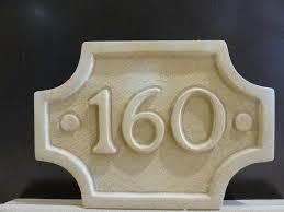 Números Y Letreros De Piedra