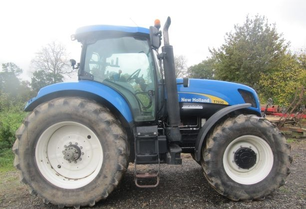 NEW HOLLAND - T7030