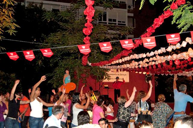 ANIMADOR SHOW CANTANTE BAILE FIESTAS - foto 6