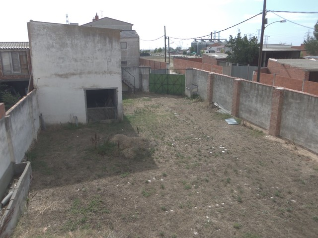 CASA CON 440 M2  PARCELA EN TORDESILLAS - foto 3