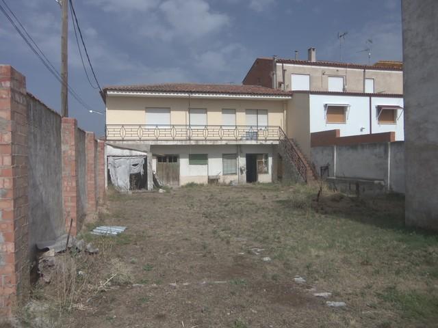 CASA CON 440 M2  PARCELA EN TORDESILLAS - foto 8