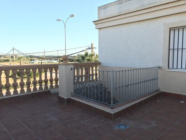 UNIFAMILIAR CON COCINA AMUEBLADA - foto 7