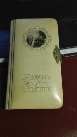 Libro Antiguo De Recuerdo De La Comunión