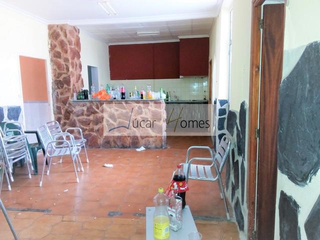 CAUDETE - AMPLIA CASA CON GRAN PATIO - foto 4