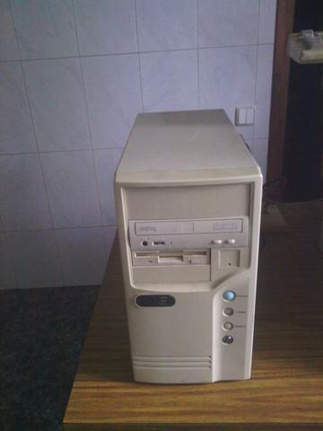 VENDO TORRE DE PC 486 - foto 1