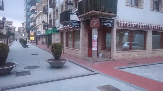 SE ALQUILA O VENDE  BAR CAFETERIA - foto 2