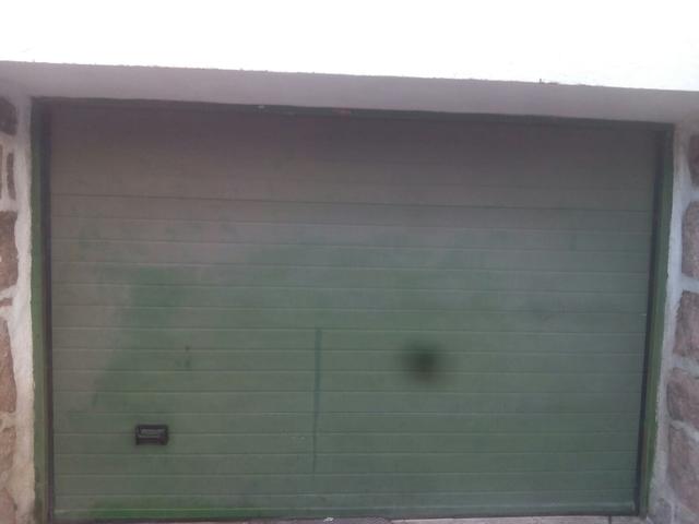 Puerta Seccionable Con Motor Y Mandos