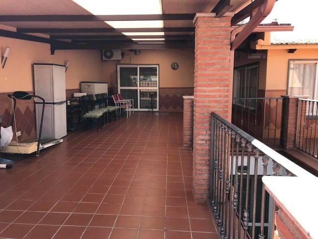 CHALET DE RECIENTE CONSTRUCCION - foto 2