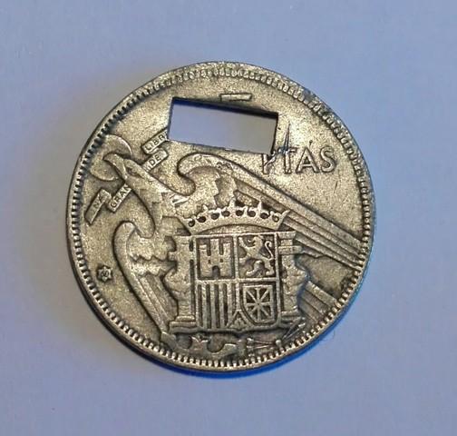 Moneda Española 1957 - Agujereada
