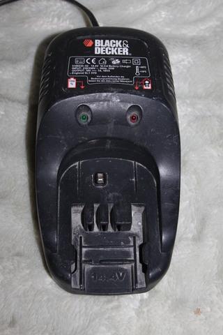 Cargador De Baterias Black & Decker